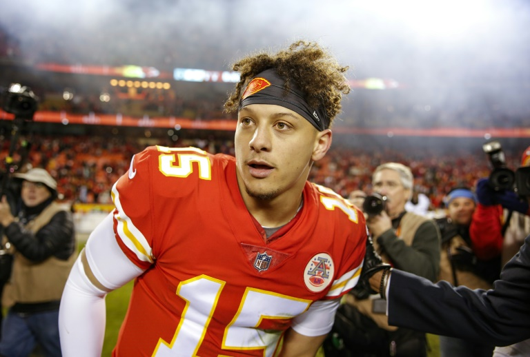 Chiefs grab top seed in AFC, Ravens and Eagles advance