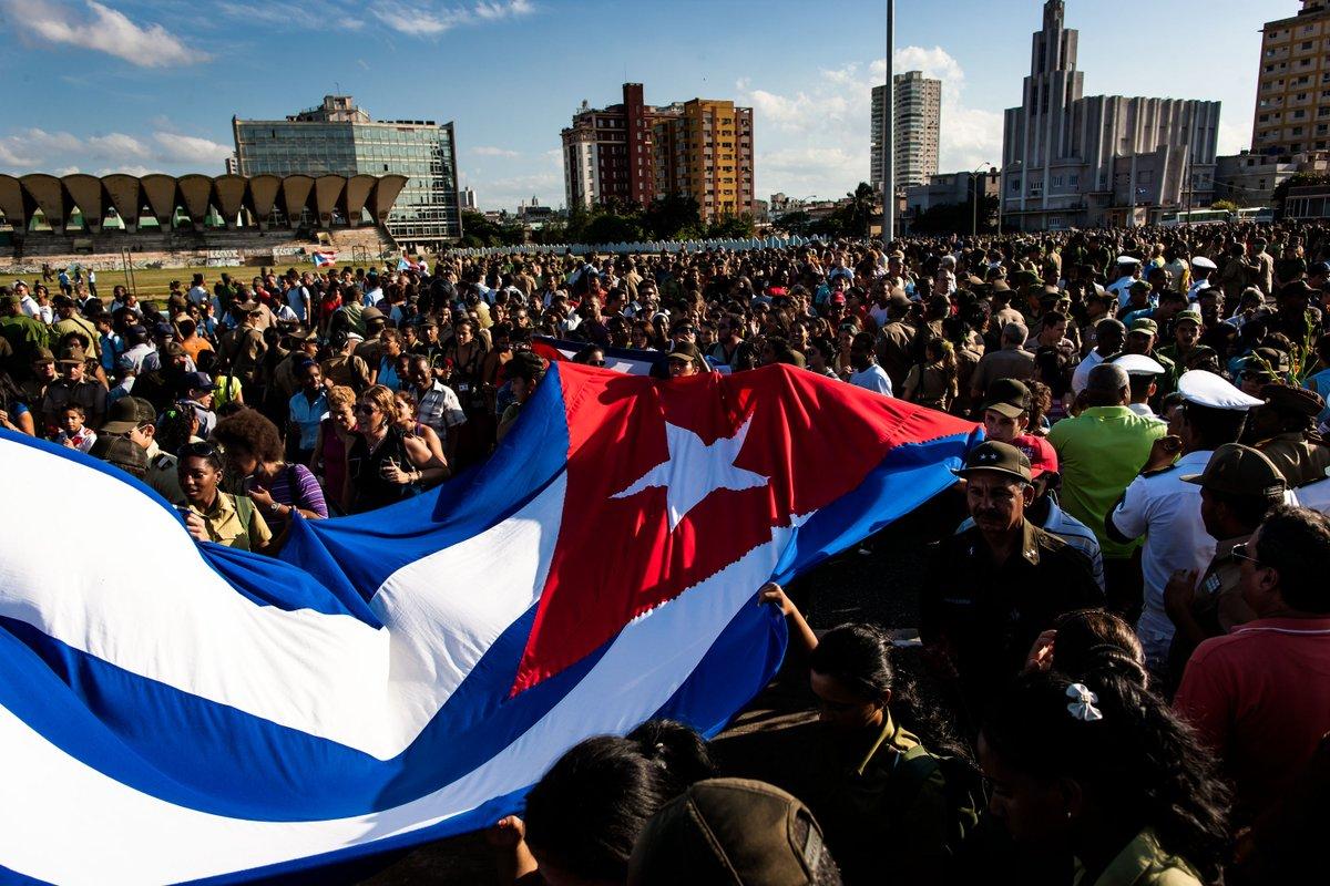 Xi congratulates Cuban leaders on 60th anniversary of revolution victory