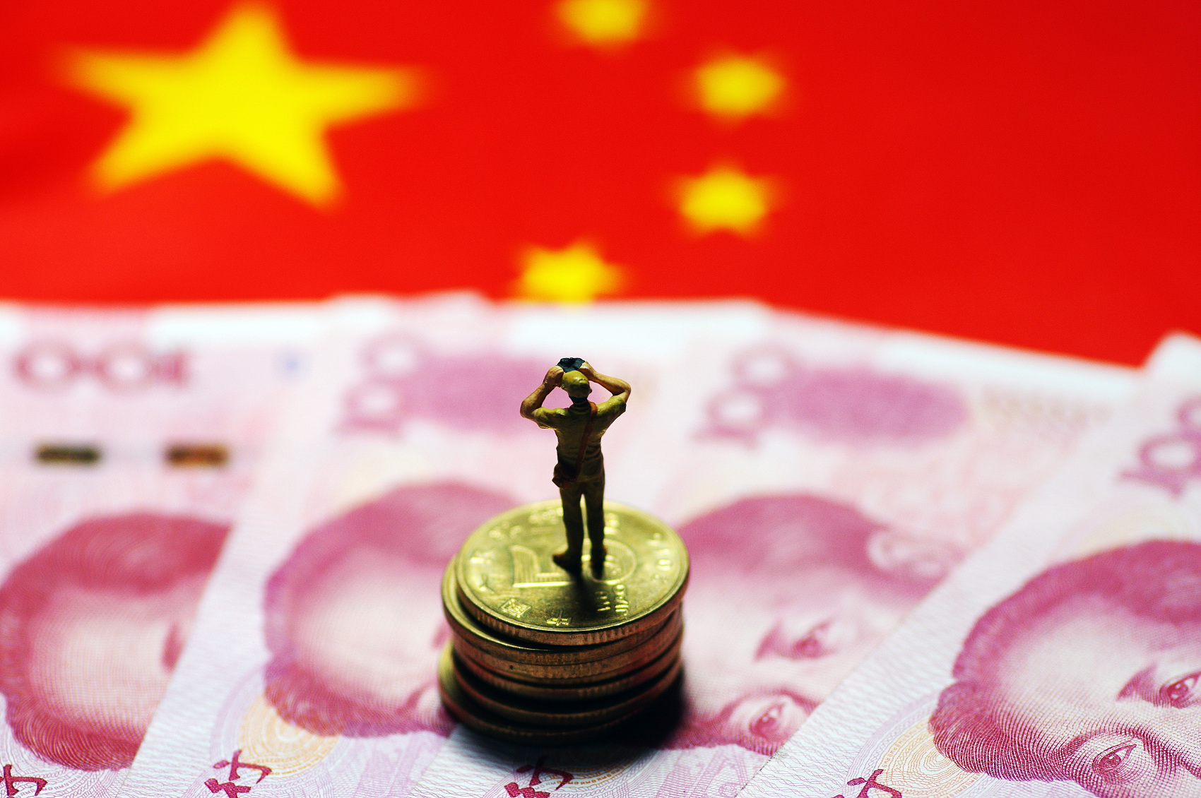 China can support the economy and contain debt risks in 2019