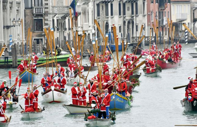 Venice to charge day-trippers for access to city center