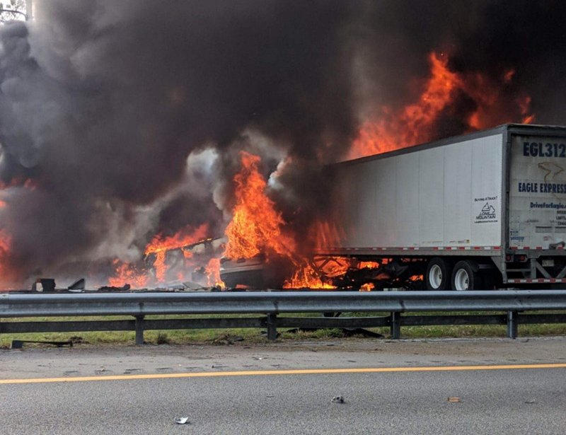 6 killed after fiery crash, fuel spill on Florida highway
