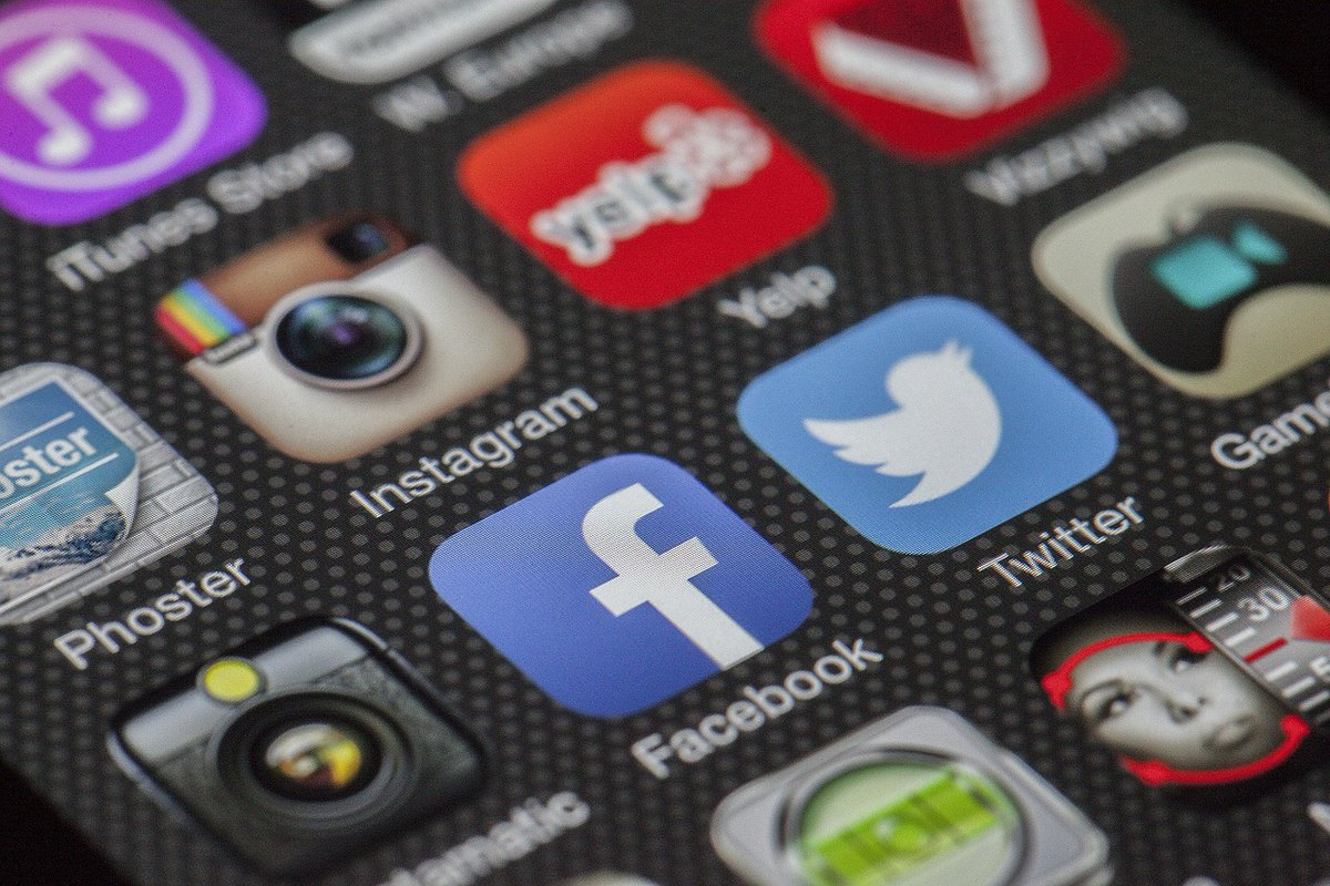 Link between social media use and mental health stronger in girls: study
