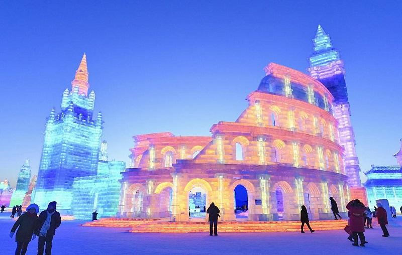"Ice & snow festival unveiled in NE China's ""ice city"""
