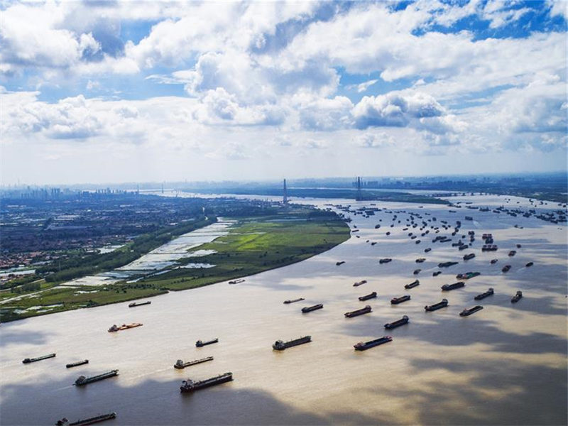 Yangtze River transports record cargo volume in 2018