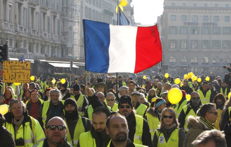 French gov't pledges to harden stance against more violent 'yellow vest' protests