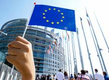 EU states agree to tighten supervision of big investment firms