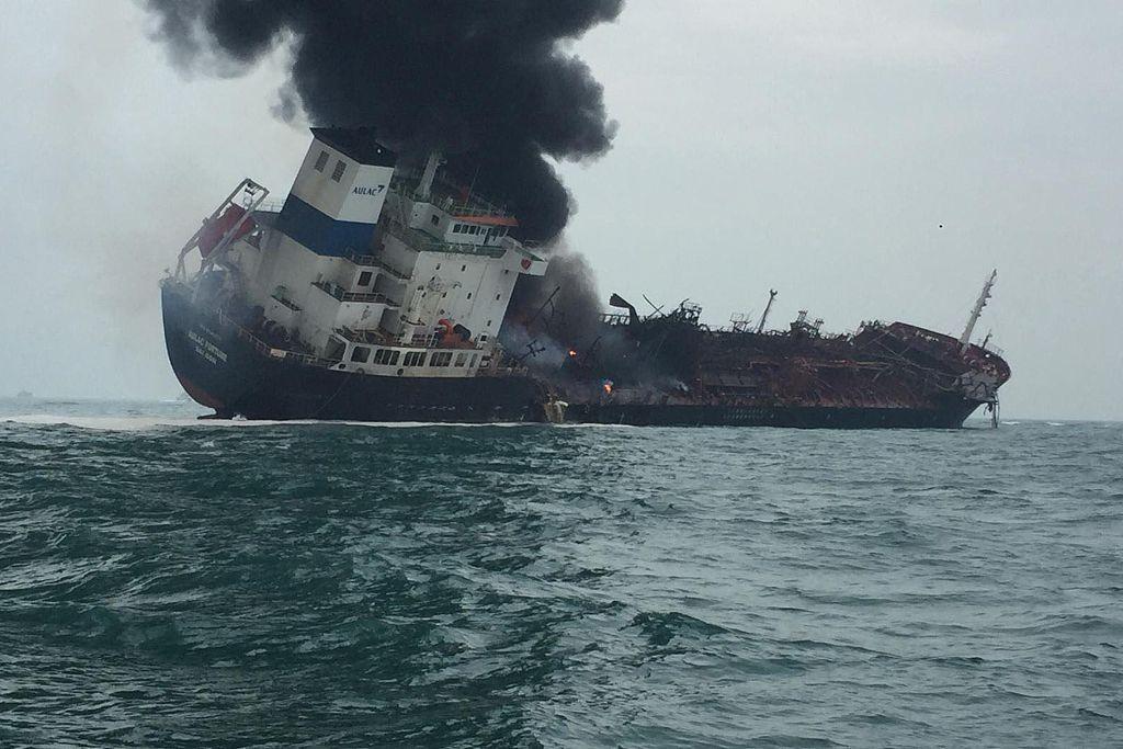 1 killed, 7 injured, 2 missing in oil tanker blaze off Hong Kong's Lamma Island
