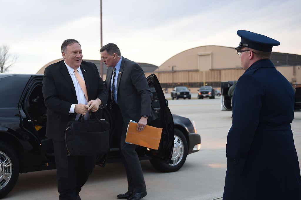 Pompeo meets Iraq officials on unannounced Baghdad visit