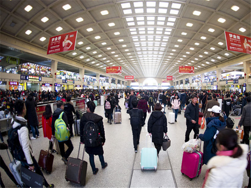 Nearly 7 mln Chinese to travel abroad during Lunar New Year: report
