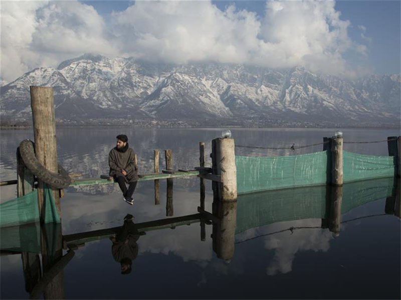 Indian-controlled Kashmir witnesses sunny day