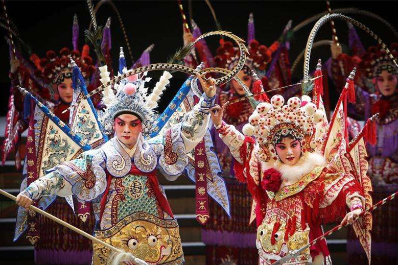 Lists of Chinese opera programs for imperial family found in Palace Museum