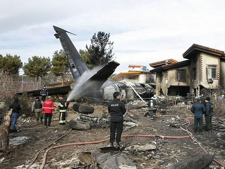 15 killed in cargo plane crash in northern Iran