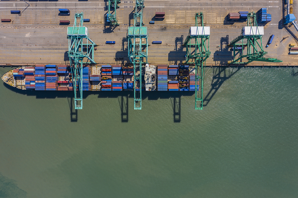 Shanghai port sees record container throughput in 2018