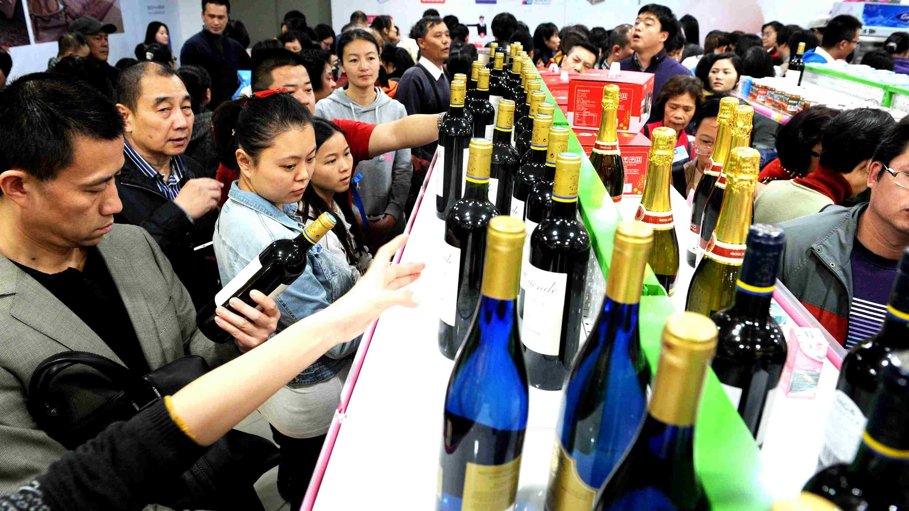 Can a 2.5-day weekend boost China's consumption?