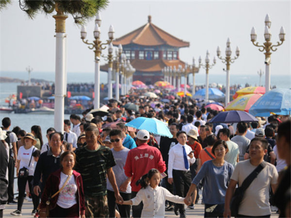 China has second-largest tourism revenue 7 years running