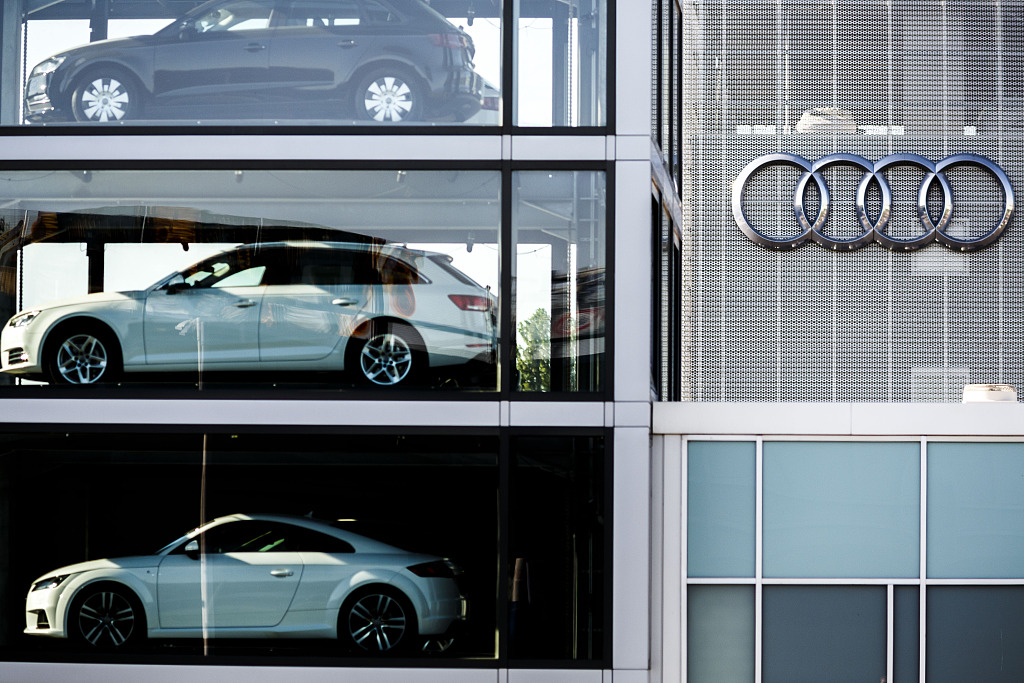 4 former Audi managers charged in US over emissions case