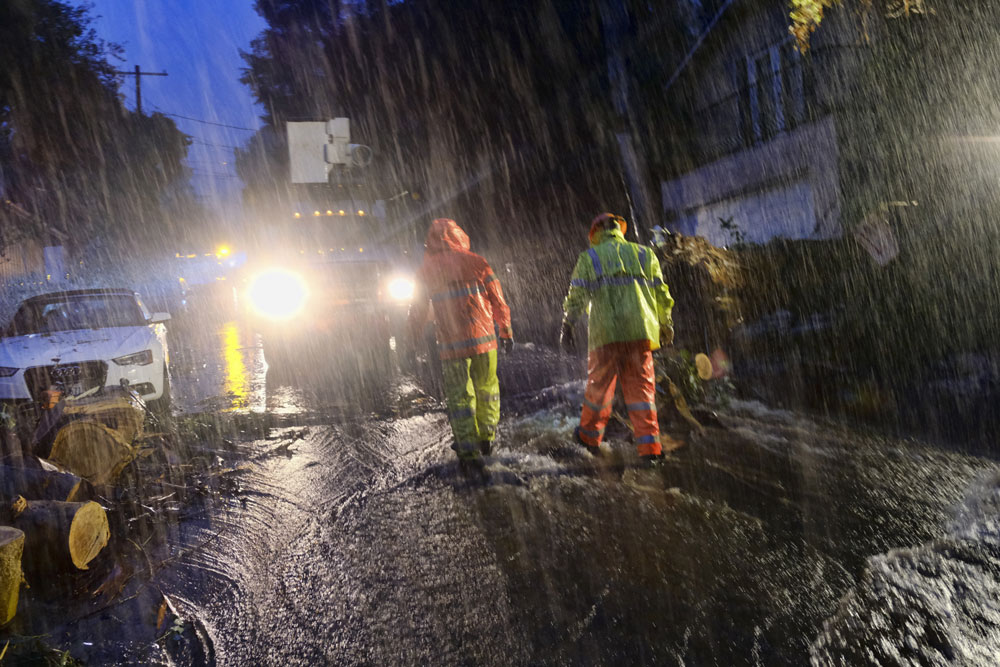 Storm pounds California with rain