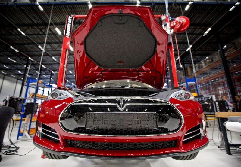 Tesla announces 7 percent cut to workforce