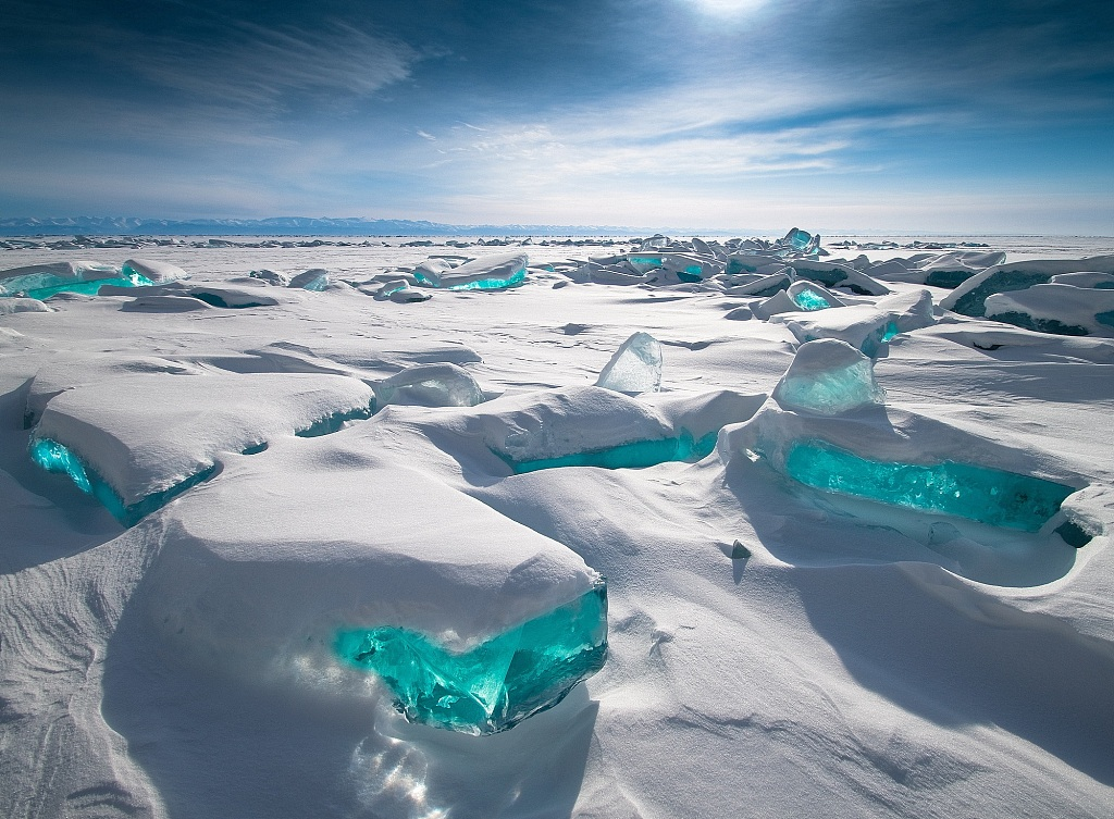 Incredible natural snow scenery around the world