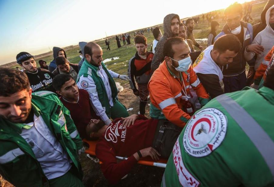 30 Palestinians injured in clashes in eastern Gaza: medics