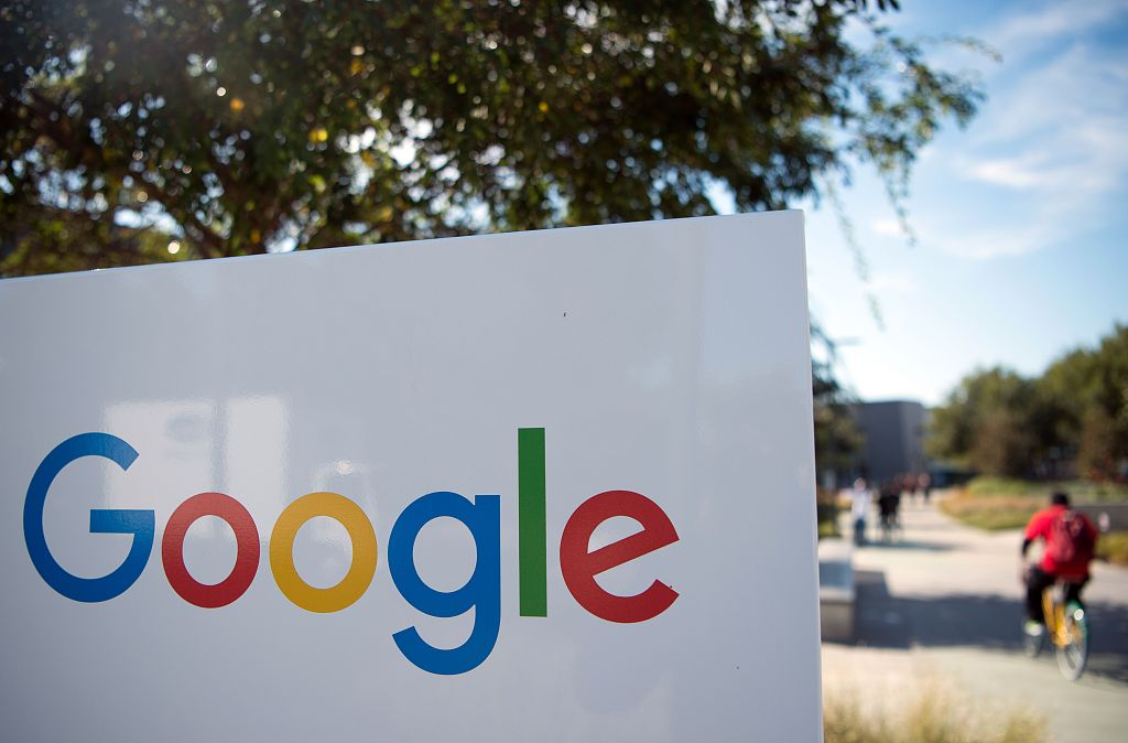 Google to buy Fossil's smart watch technology for 40 mln USD