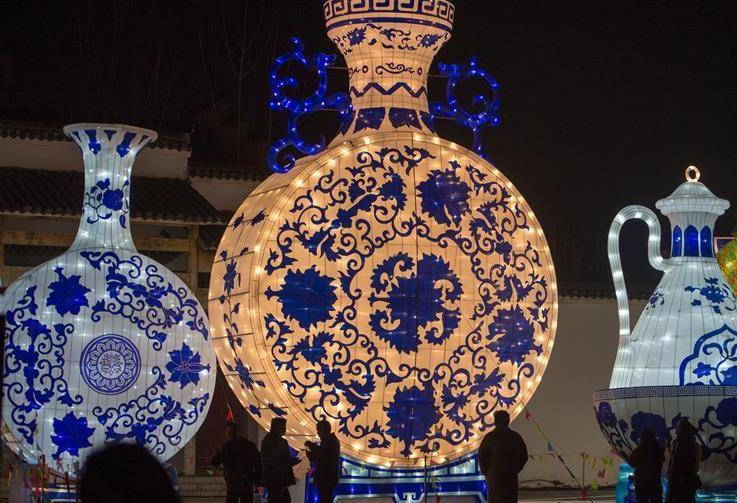New Year lantern fair held in east China's Anhui