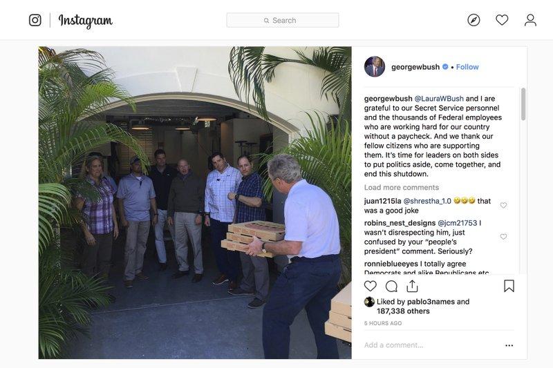 George W. Bush treats Secret Service detail to pizza
