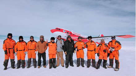 China's first fixed-wing plane lands in peak of Antarctic's icecap for third time