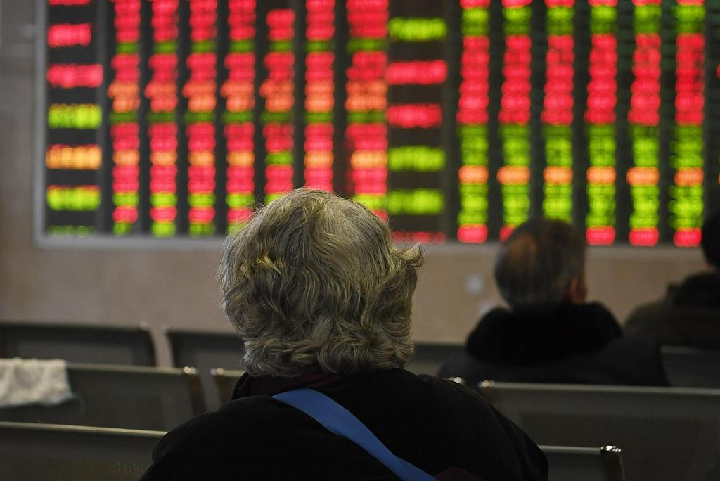 Chinese shares end higher on stable economic growth