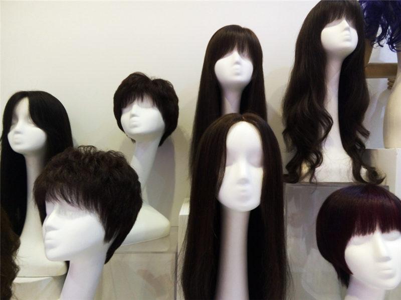 Chinese film boom creates Pakistani hair explosion