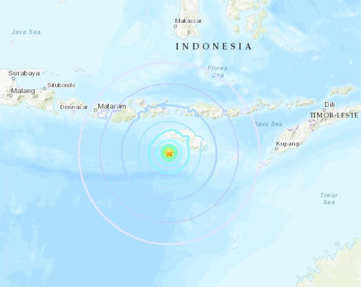 Powerful quake strikes off central Indonesia, no tsunami alert issued