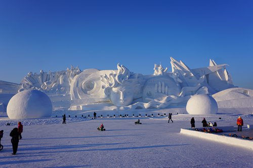 Exploring the three must-not-miss places to visit during Harbin's winter festival
