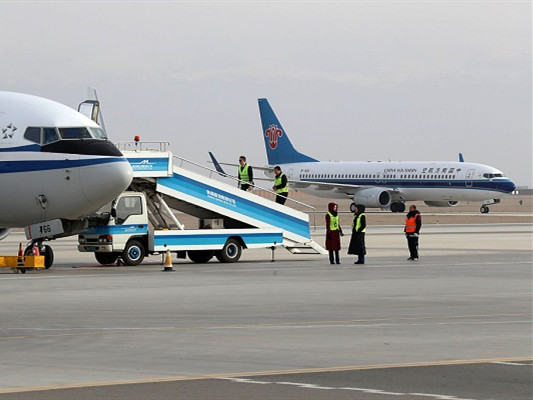 China Southern transports 300,000 passengers on 1st Spring Festival travel rush day