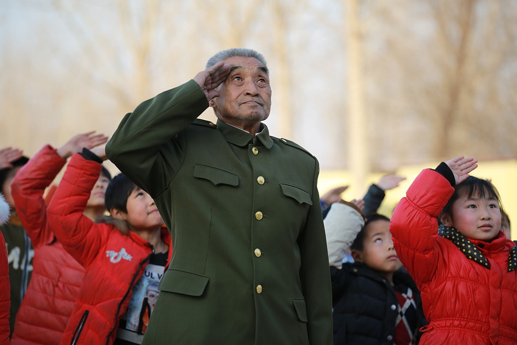 China to solicit public opinions on draft law of veterans' welfare