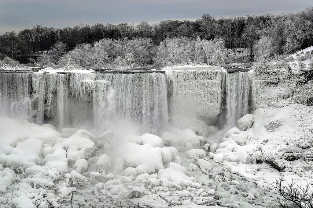 Amazing view of frozen Niagara Falls