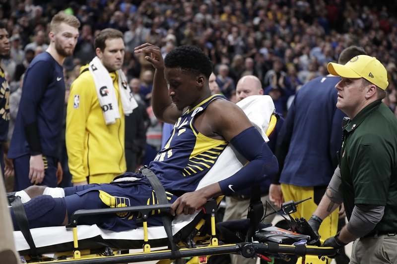 Pacers beat Raptors after losing Oladipo with knee injury
