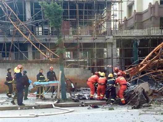 Officials removed from posts after crane accident in China