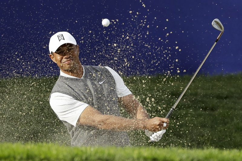 Woods has solid '19 debut with 2-under 70 at Torrey Pines