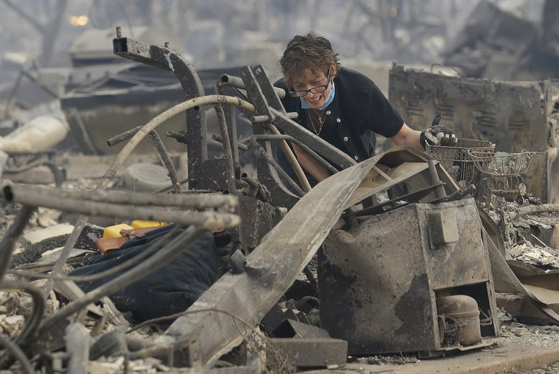 Experts: PG&E bankruptcy likely despite positive fire report