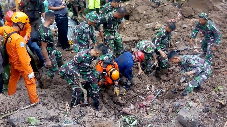 Death toll from Indonesian floods, landslides, climbs to 59