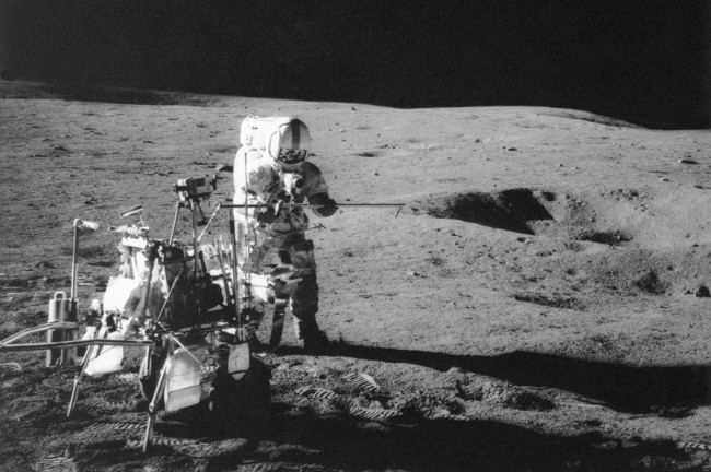 Oldest piece of Earth found on moon