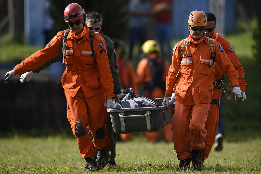 Photos: seven bodies found and hundreds missing after Brazil dam collapsed