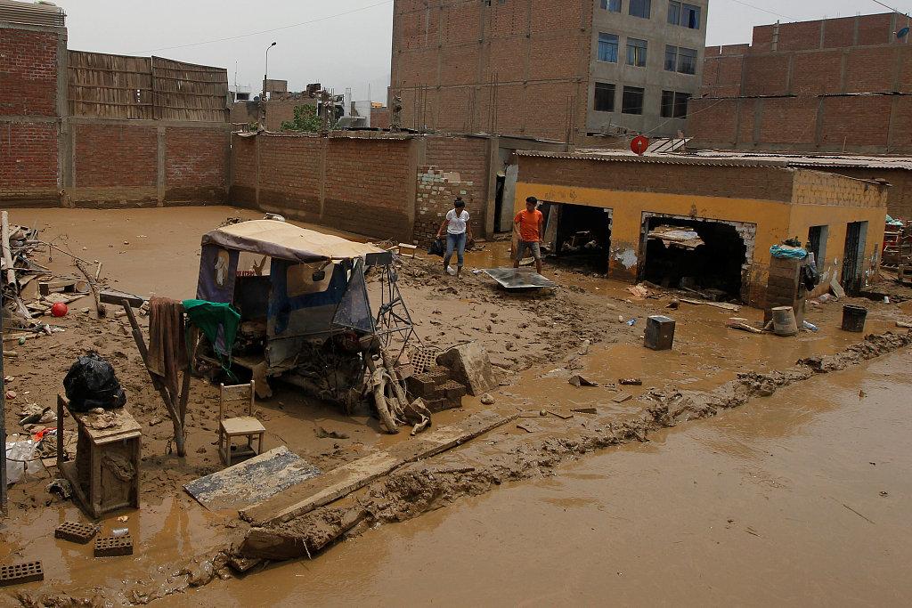 At least 15 dead in mudslide at hotel in Peru: mayor