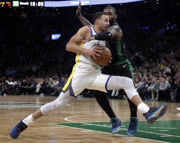 Warriors win 10th straight, beat Celtics 115-111