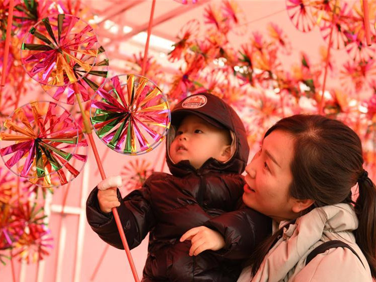 People across China busy preparing for upcoming Lunar New Year