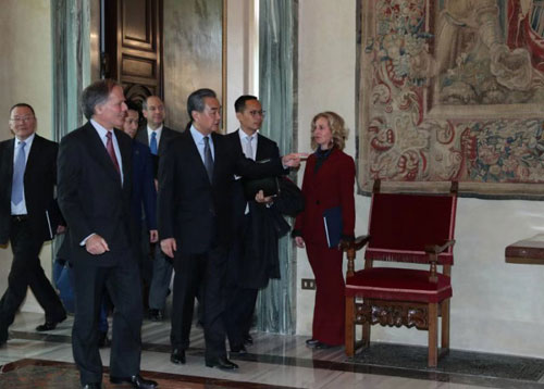 Chinese, Italian FMs pledge closer bilateral cooperation