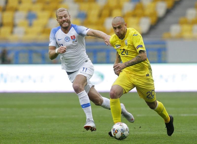 Zenit signs Rakitskiy amid criticism from Ukraine fans