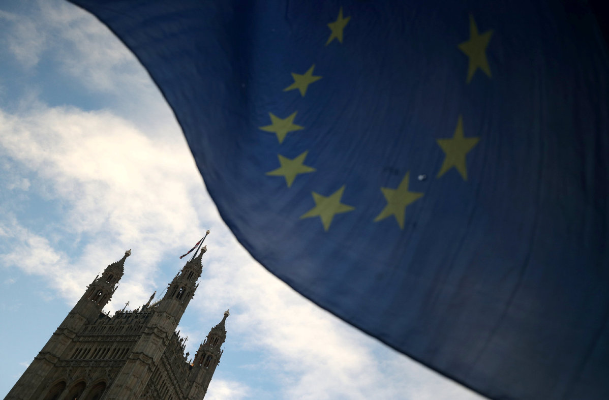 EU parliamentarians to back visa-free travel for Britons after Brexit