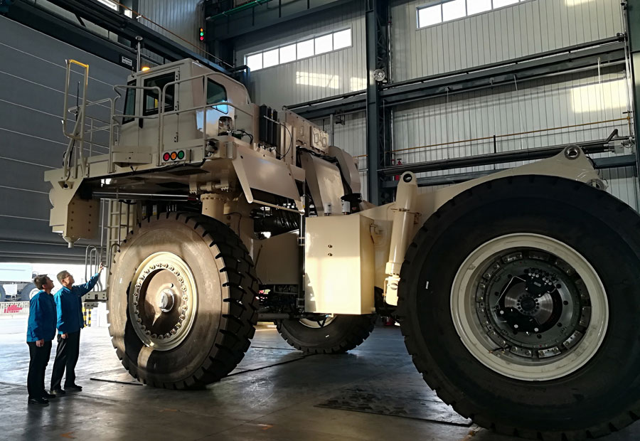 Robotic vehicle for mining to add safety