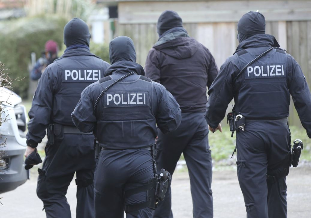 3 Iraqi refugees arrested in Germany over attack plot